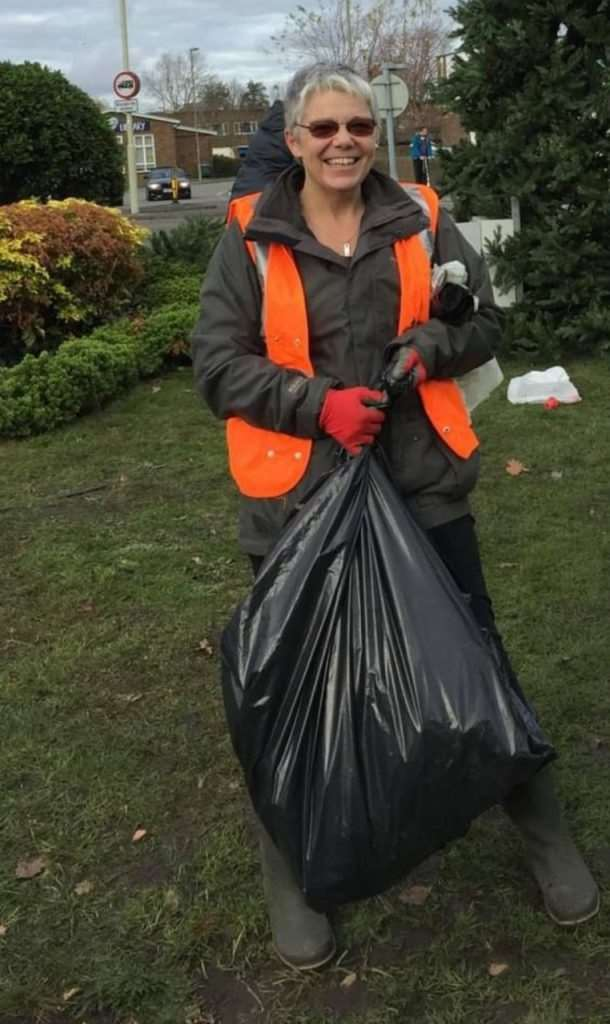 Lisa Carter of Team Totton litter pickers