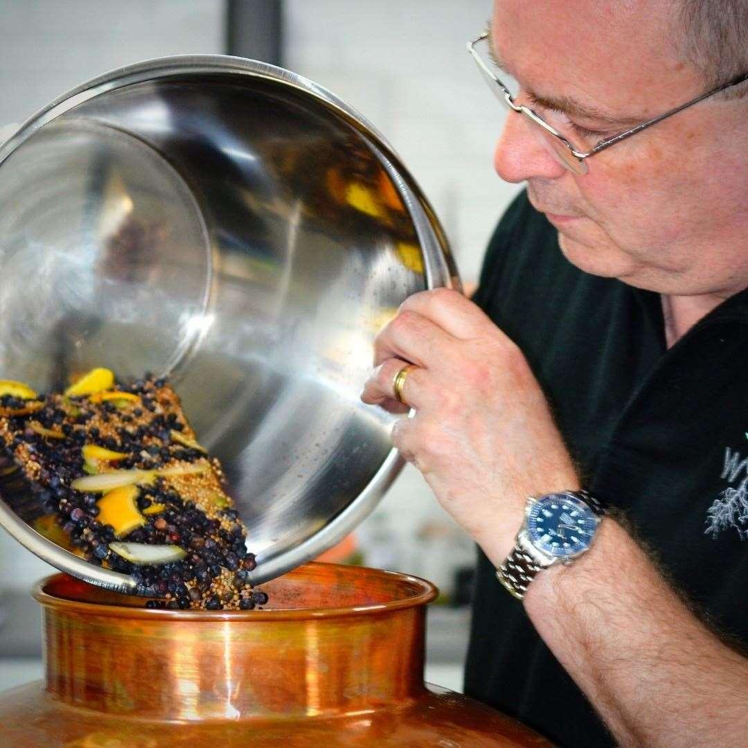 Mark Distiller (47380404)